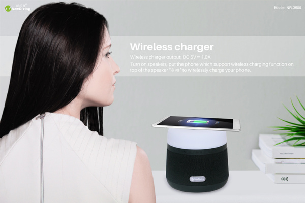 Portable Light LED Wireless Charger Bluetooth Speaker with Microphone Handheld USB_4