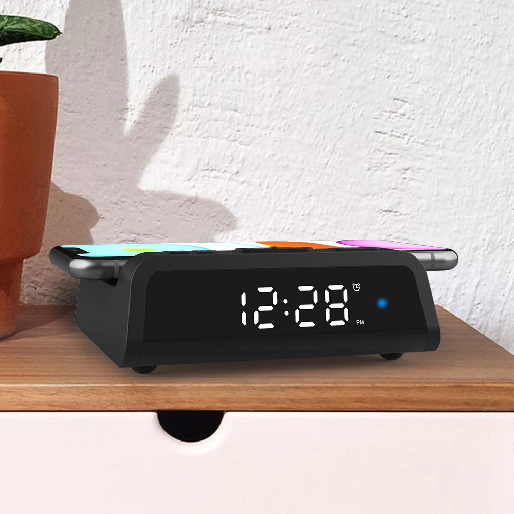Digital Alarm Clock with Wireless Charging Pad for QI Devices_7